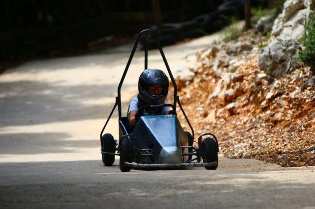caisse a savon parc d'attraction enfant montpelier au pays des carrioles