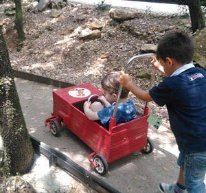pousse-auto au pays des carrioles parc pour enfants