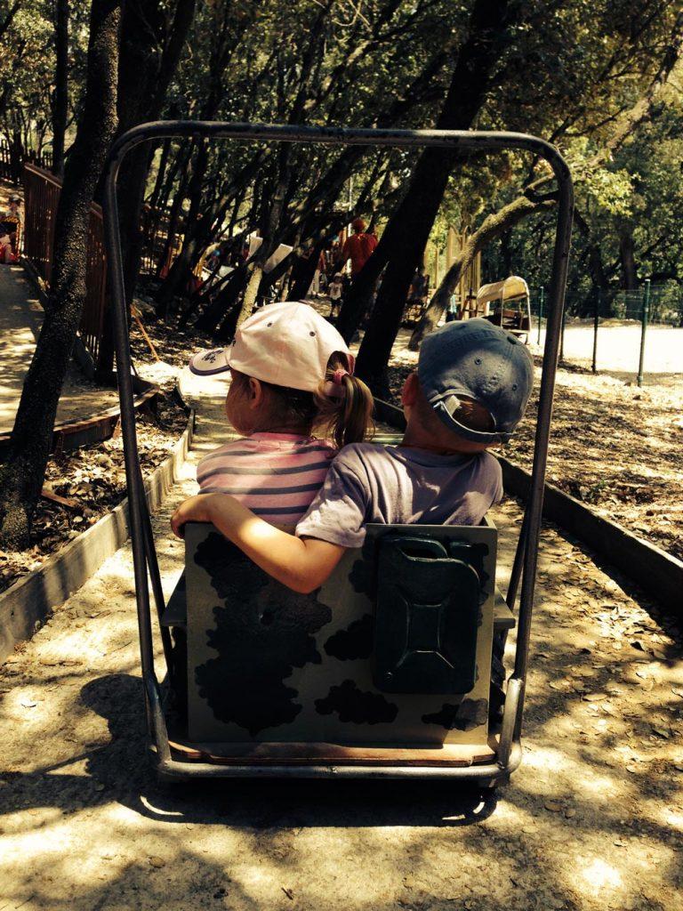 tourisme aventures code de la route jeux enfants amitiés au pays des carrioles la boissiere