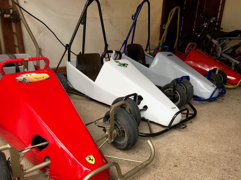 garage hangar caisses a savon pour enfants en autonomie ou accompagne activite en supplément